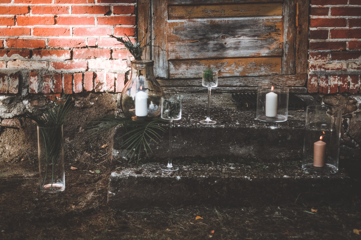 Stikla svečturi - vāzes uz kājas