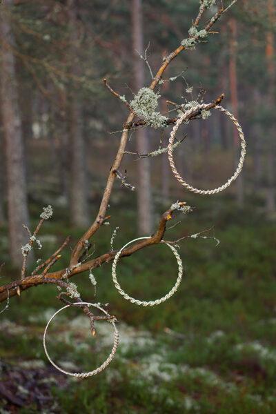Dekoratīvi mezgloti apļi, zeltīti