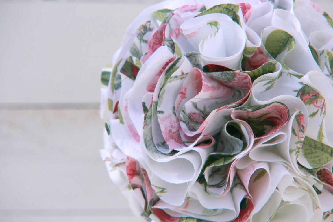 Balta ziedu audumu sērija